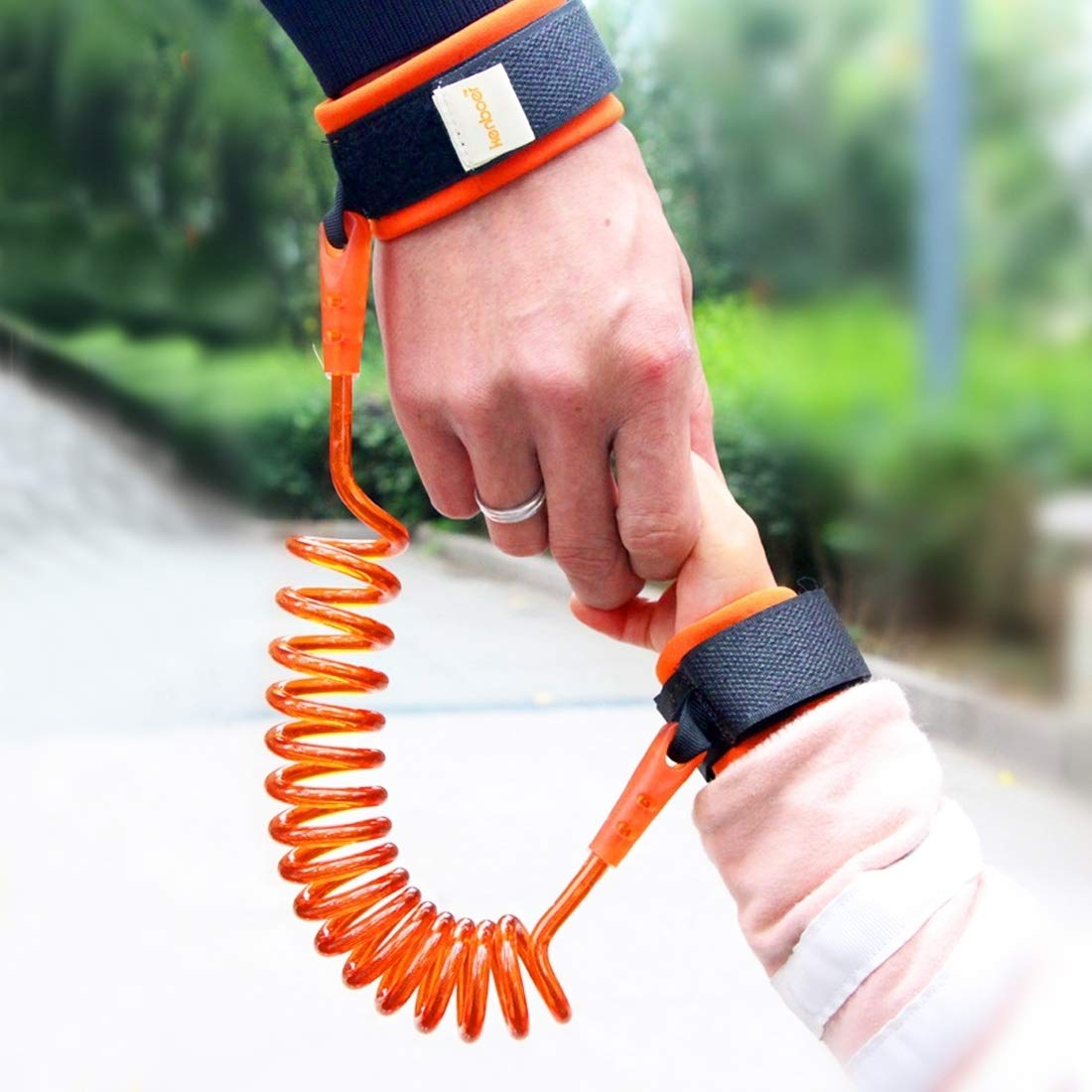 Caofeng Kids Safety Harness Child Leash Anti Lost Wrist Link Traction Rope Anti Lost Bracelet, Length: 2.5m (Orange) (Color : Orange)