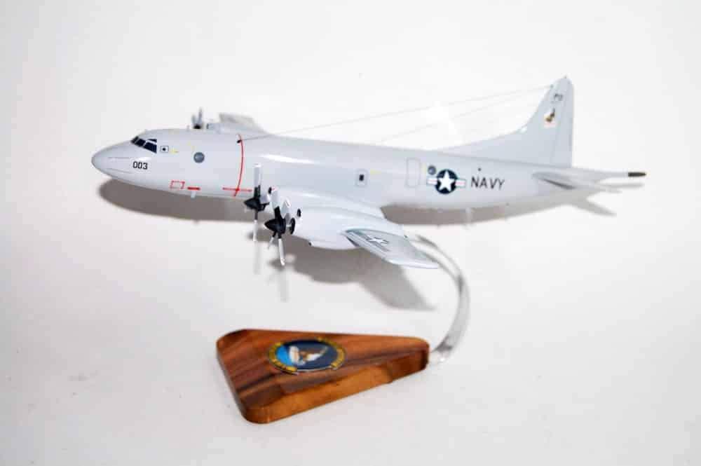VP-9 Golden Eagles P-3c Model (003)