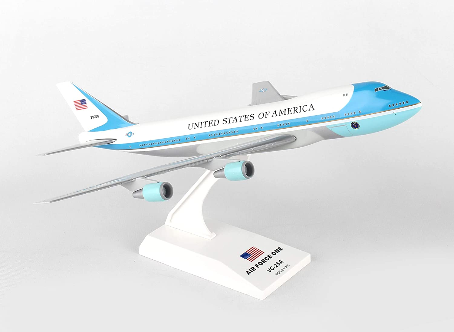 SkyMarks SKR041 Air Force One Boeing 747-200 VC25 1:250 Scale Desktop Model with Stand