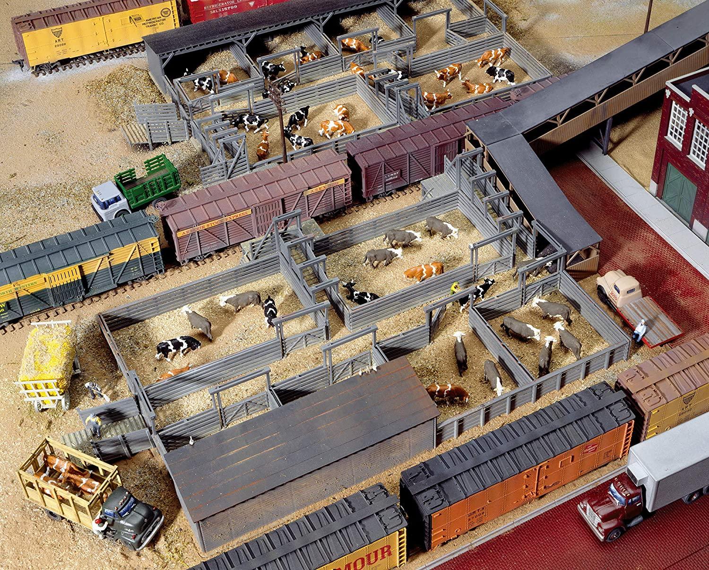 Walthers Cornerstone Series Kit HO Scale Stockyard