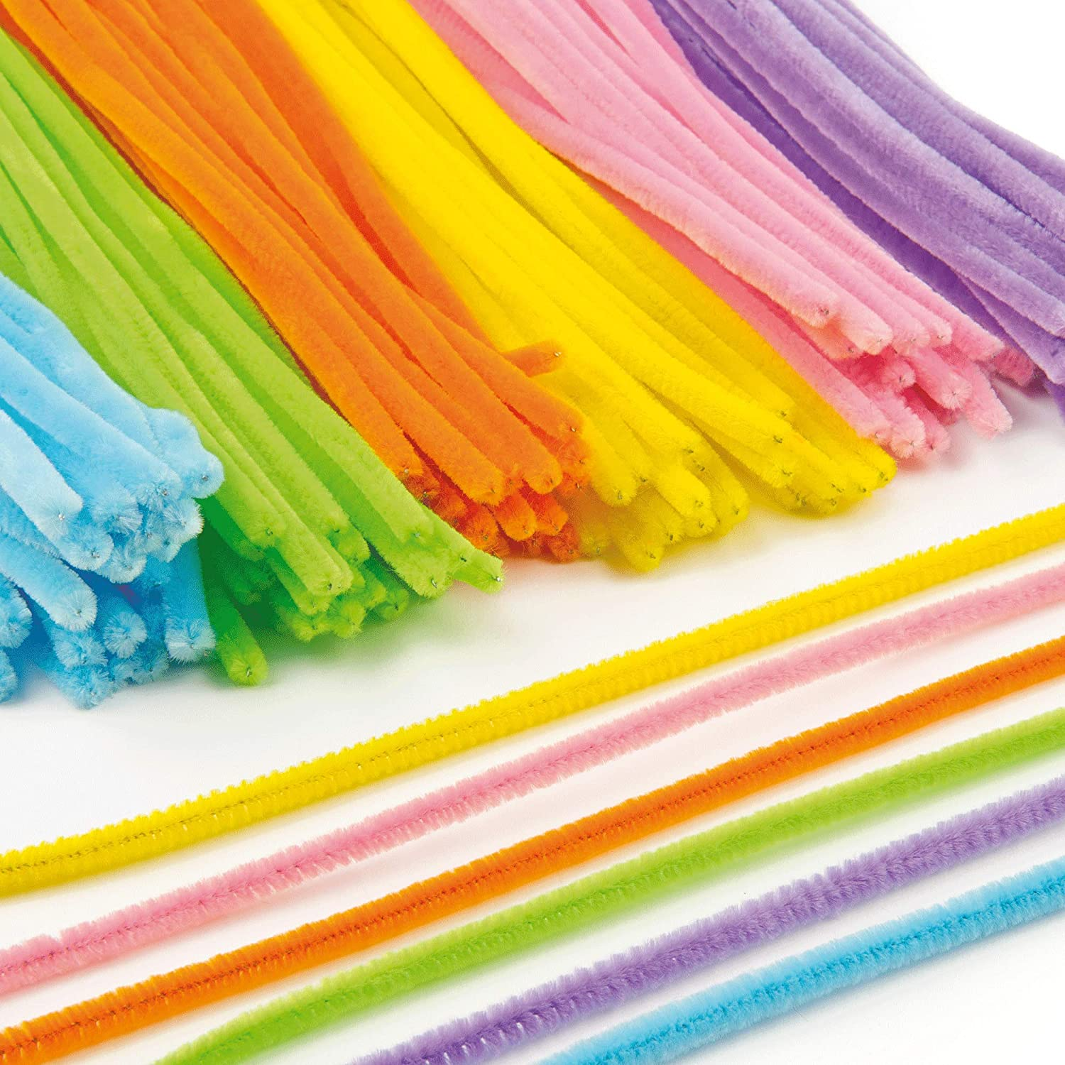 Baker Ross Fluffy Soft Pipe Cleaners, Value Pack of Craft Supplies for Kids in 6 Assorted Colors (Pack of 120)