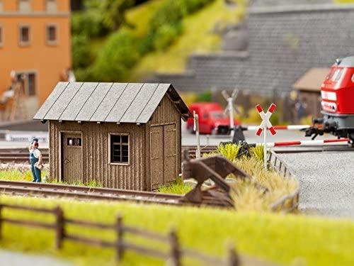 Noch 14440 Track House Landscape Modelling (Small)
