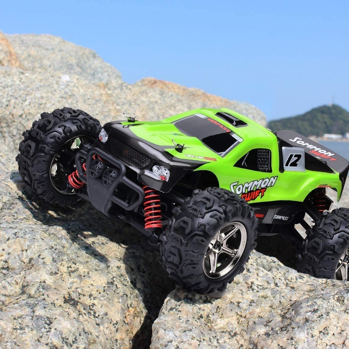 CGIIGI Remote Control car 2.4 GHZ high-Speed Racing car with 2 Rechargeable Lithium Batteries Electric Remote Control car 1:24 Scale Truck Radio Remote Control Truck Off-Road Children's Truck