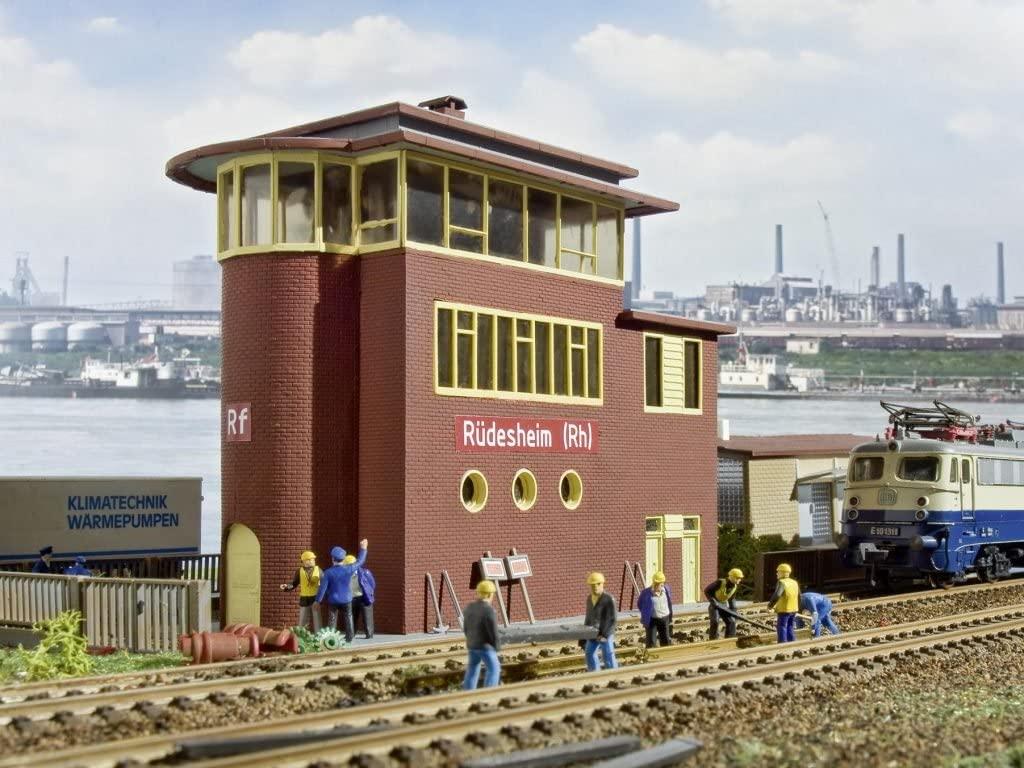 HO Scale Rudesheim Interlocking Tower - Kit -- 7-1/4 x 3-1/8 x 7-5/16