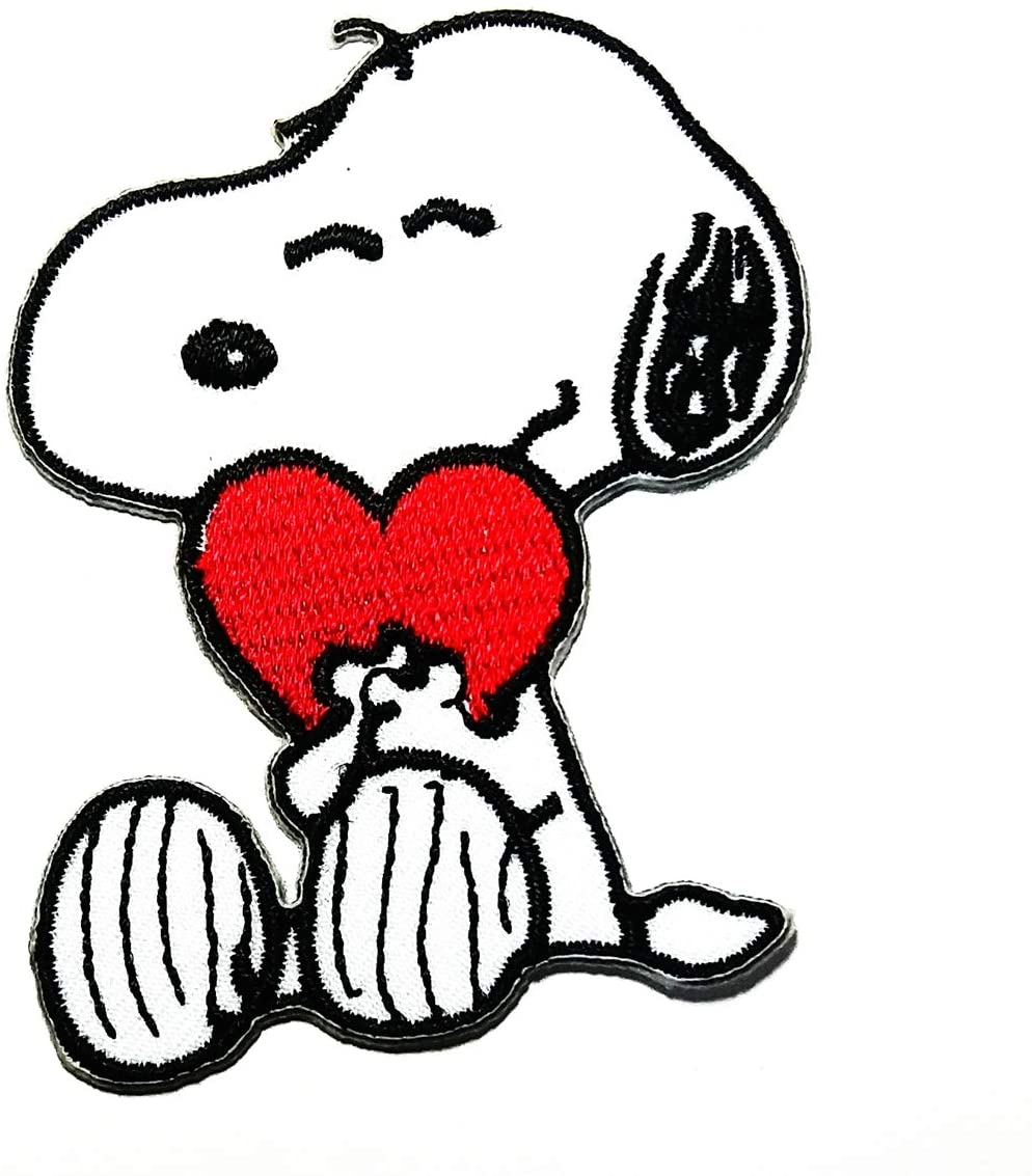 Beagle Dog Dream Dog Sitting in a red Heart Cartoon Logo Patch Embroidered Sew Iron On Patches Badge Bags Hat Jeans Shoes T-Shirt Applique