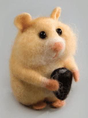 Felting kit Charivna mit #B-135 Animals Nathan hamster 11.5x8.5 cm / 4.33x3.15 in