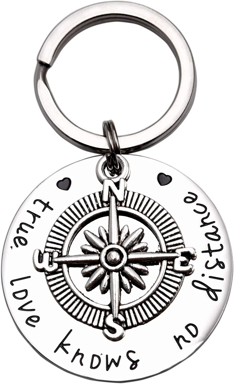 LParkin Going Away Gifts for Friends Best Friend Keychain Boyfriend Girlfriend Keychain Long Distance Relationship Gifts True Love Knows No Distance Compass Keychain