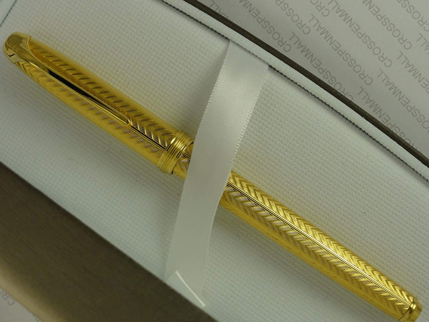 Cross Made in the USA Pinnacle 22K Gold Fountain Pen with Hallmarked Solid 18KT Gold Two Tone Broad Nib.