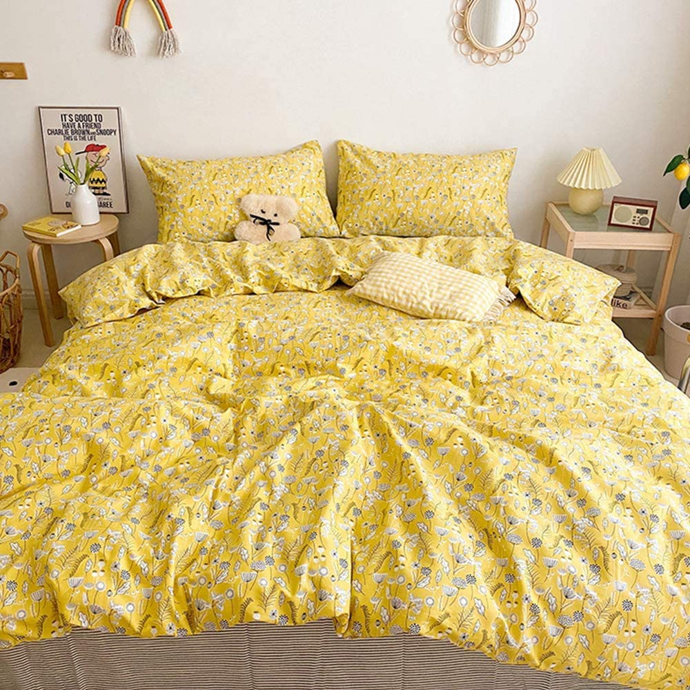 karever Yellow Floral Comforter Set Queen Soft Yellow Flower Bedding Set Durable Breathable All Season Quilt Set for Kids Teens Adult (Full/Queen(90''90''), Yellow Floral)
