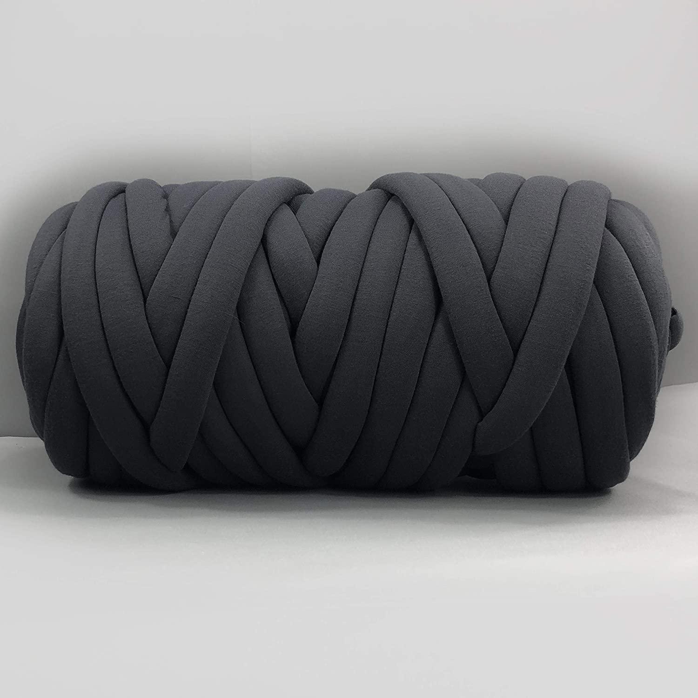 clootess Arm Knitting Yarn Chunky Braid Cotton Yarn for Handmade DIY Throw Blanket Pet Bed and Crib Bumper,Machine Washable,Black 1 lbs
