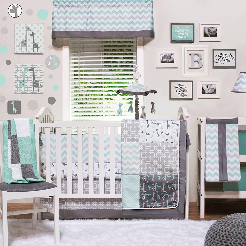 Uptown Giraffe 4 Piece Baby Crib Bedding Set - Jungle Animal and Geometric Themes
