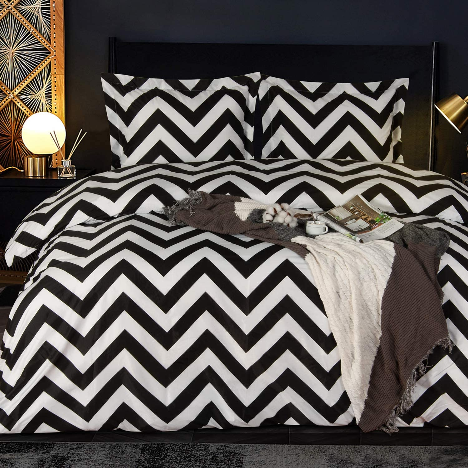 NTBAY Microfiber Kid's Duvet Cover Set, 2 Pieces Ultra Soft Zipper Closure Black and White Bedding Set, Twin Size, Chevron