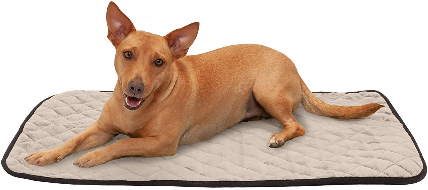 Furhaven Pet - Self-Warming Cat Bed Pad, Thermal Blanket Mat, Waterproof-Lined Dog Blanket, & More Choices for Dogs & Cats - Multiple Styles, Sizes, & Colors