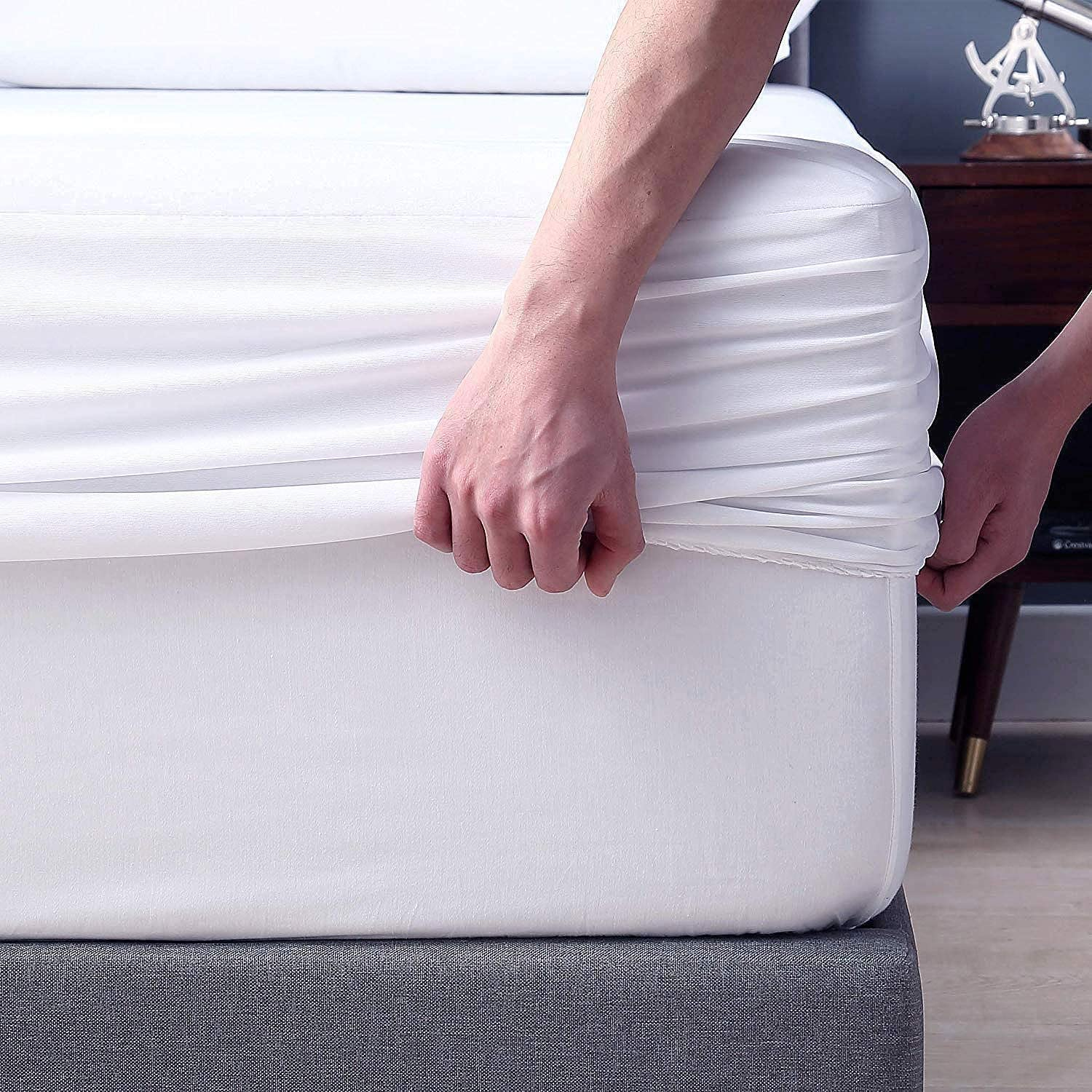 """COSYJOY Full Size Luxury Coral Fleece Mattress Protector - 100% Waterproof, Hypoallergenic & Ultra Soft Breathable Fitted Mattress Cover for Bed 8""""-21"""" Deep Pocket"""