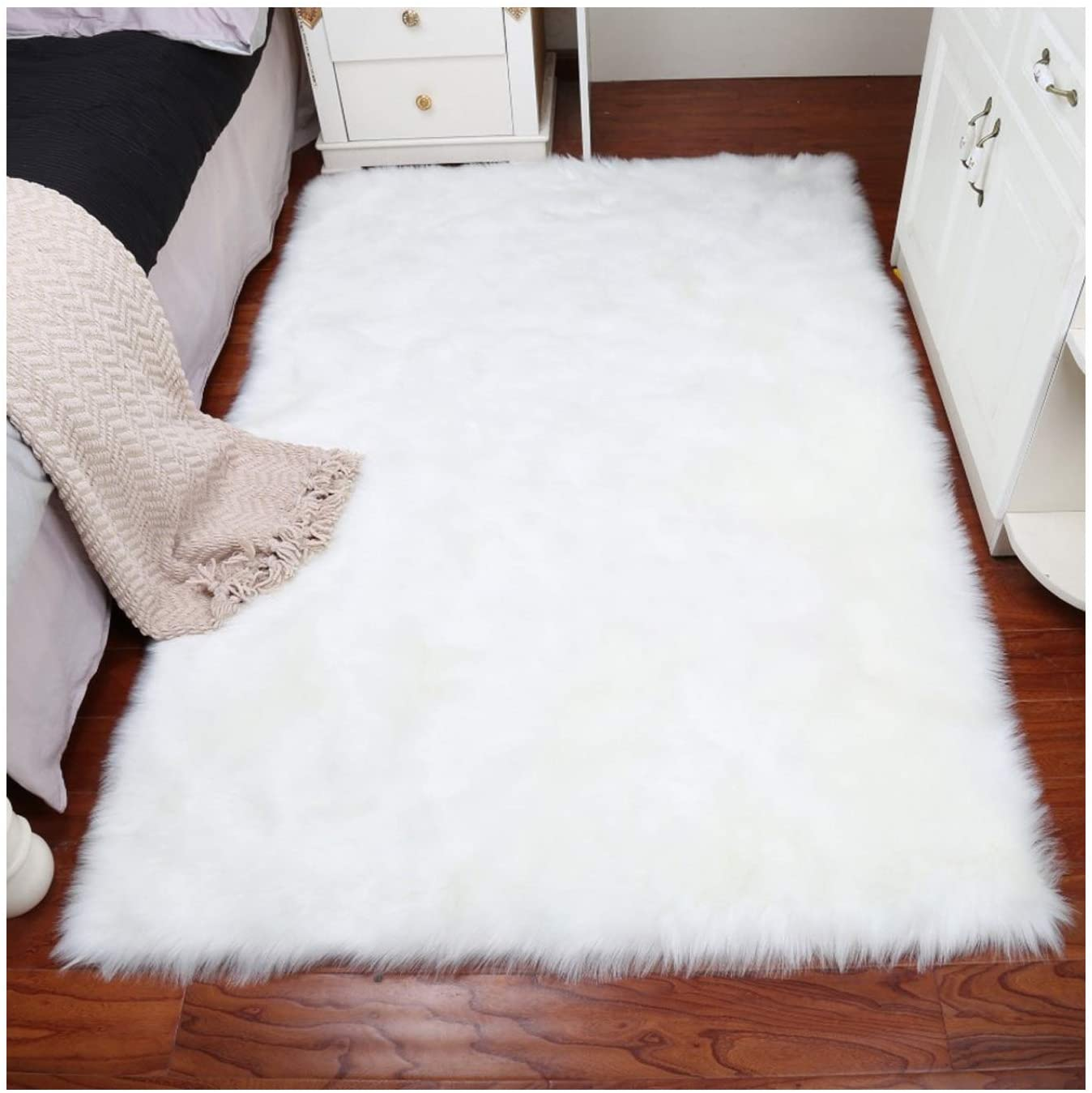 Home Decor Rectangle Rugs Faux Fur Sheepskin Area Rug Shaggy Carpet Fluffy Rug for Baby Bedroom,2ftx3ft,White