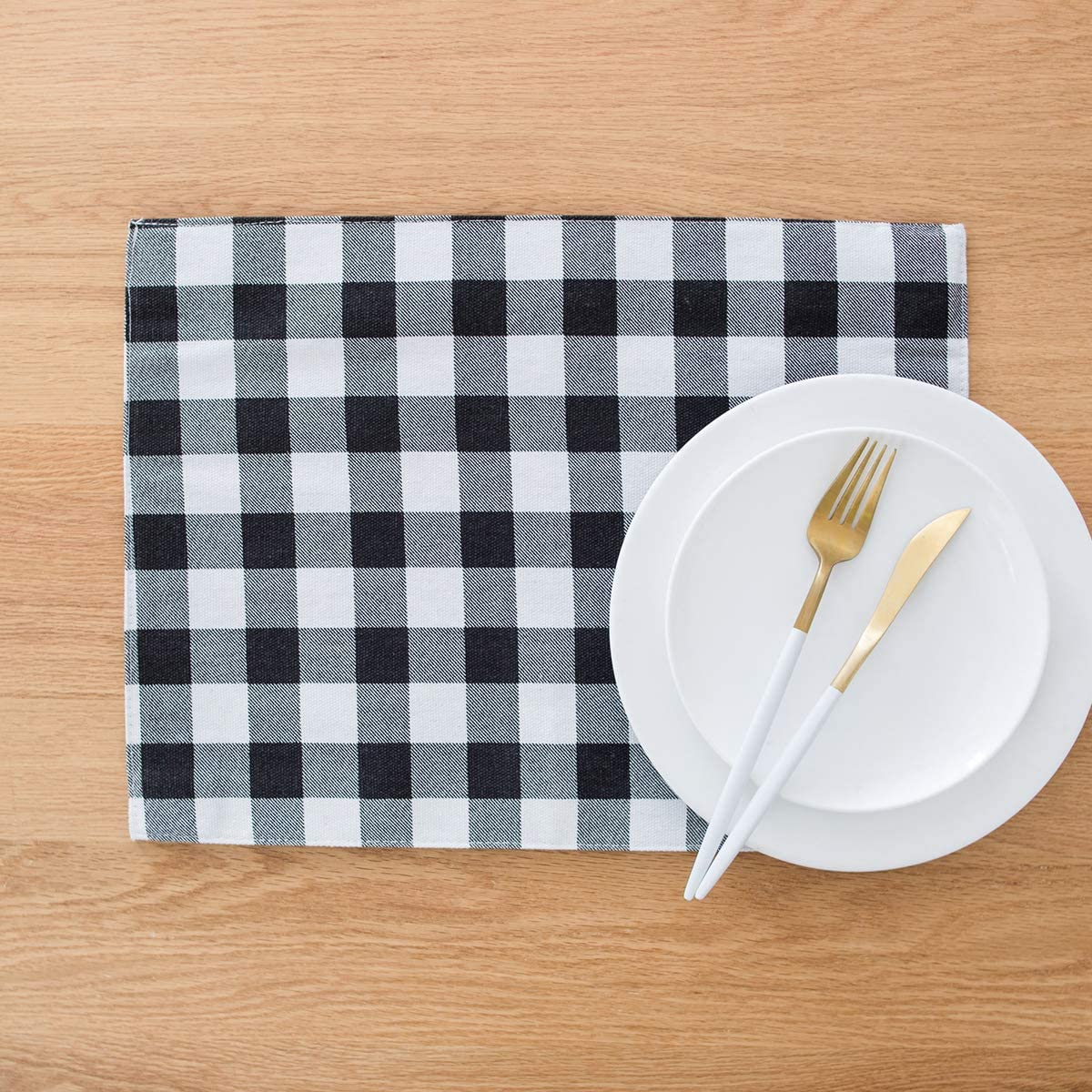 famibay Buffalo Plaid Place Mats, Black and White Placemats Set of 4 Farmhouse Placemats Cotton Linen Table Mats for Kitchen