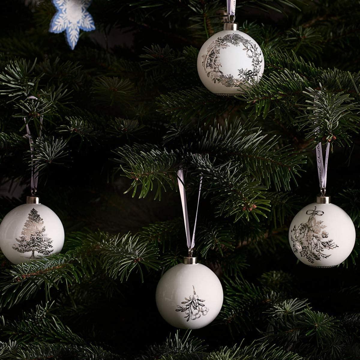Wedgwood 2019 Fine Bone China Ornaments - Wreath