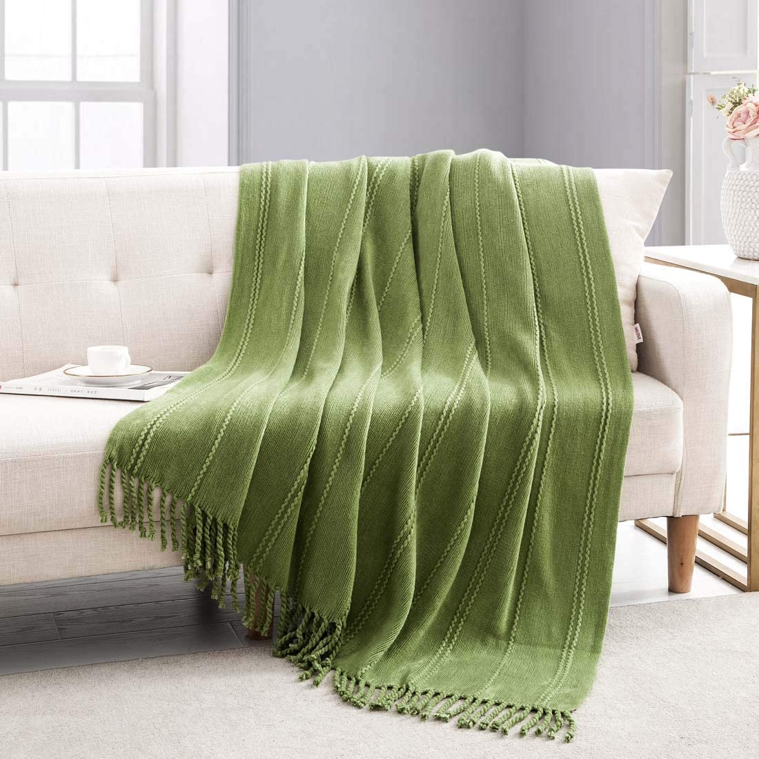 Revdomfly Knitted Throw Blanket Green Farmhouse Woven Blankets with Fringe Tassels for Couch Bed, 47