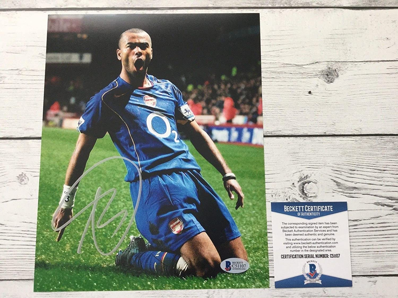 Ashley Cole Signed Autographed Chelsea FC 8x10 Photo Beckett BAS COA b - Autographed Soccer Photos