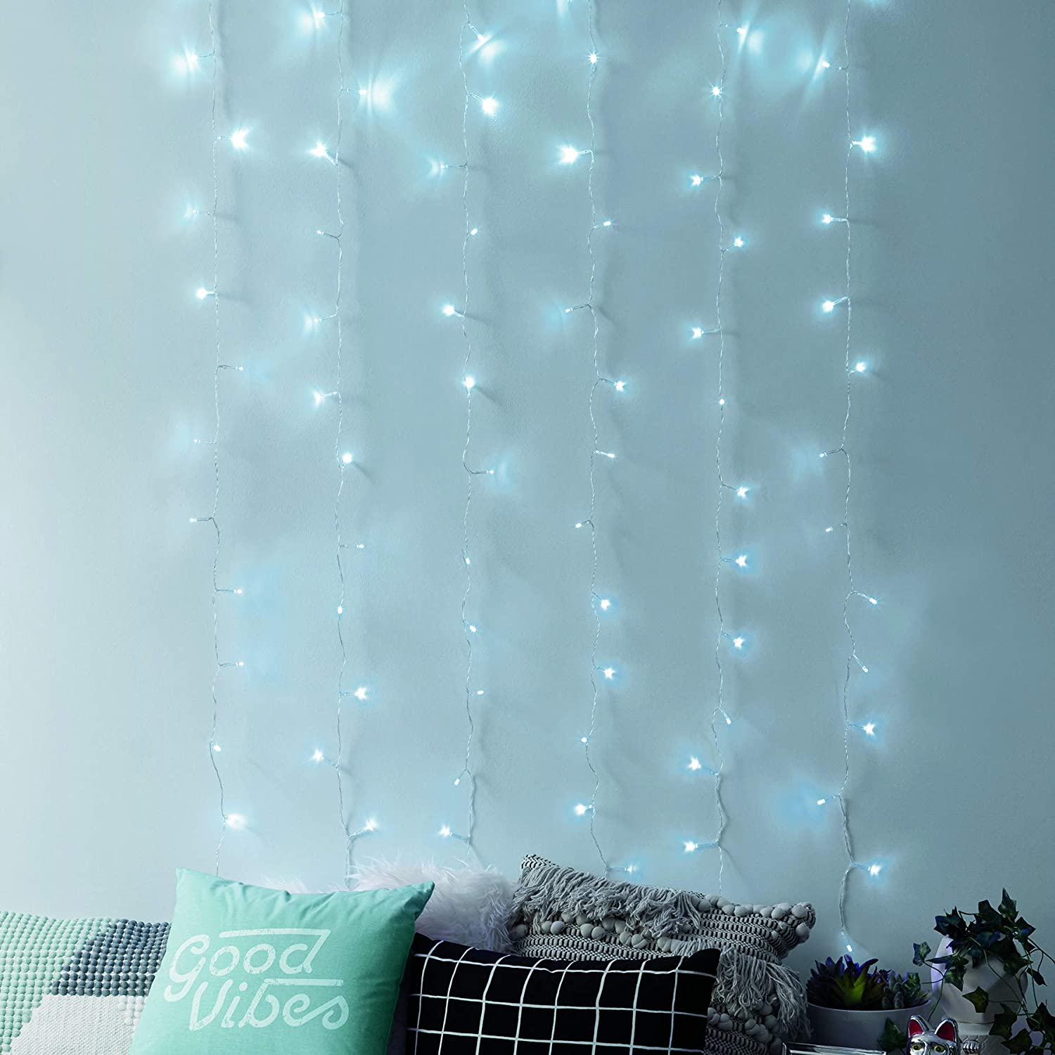 Merkury Innovations Curtain Lights, Cascading Battery-Operated LED Lighted Backdrop Curtain for Bedroom, Wedding, Decoration, or Christmas (Cool White)