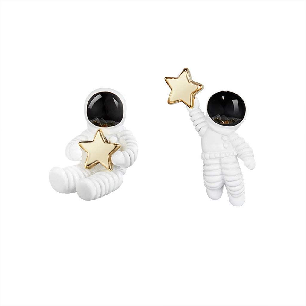 shuoyiersty Cute Asymmetrical Astronaut Small Stud Earrings for Women Fashion Jewelry Gift 1.6x2.2cm