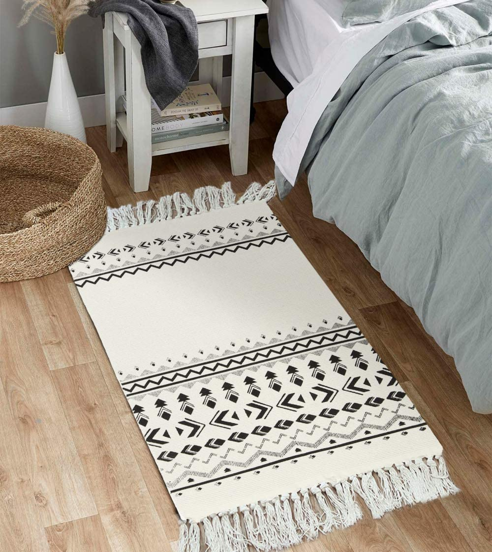 Uphome Tribal Cotton Area Rug 2' x 3' Boho Modern Geometric Throw Rugs with Chic Tassel Fringe Hand Woven Welcome Door Mat Machine Washable Floor Carpet for Entryway Porch Bedroom Living Room Kitchen