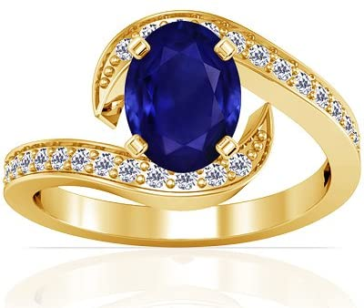 14K Yellow Gold Oval Cut Blue Sapphire Ring With Sidestones