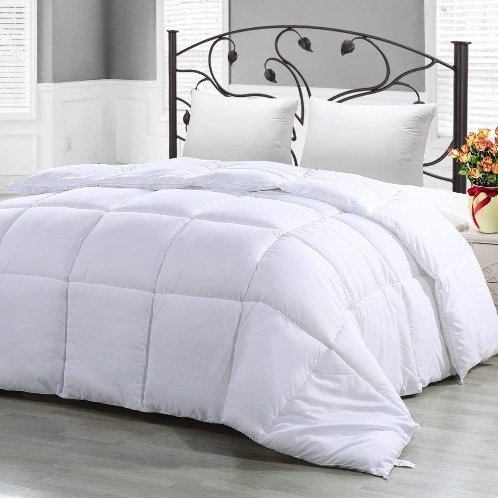 CASA COPENHAGEN Exotic Soft Light Weight Reversible Hypoallergenic Polyester Fill Queen Size Comforter/Duvet Insert, White