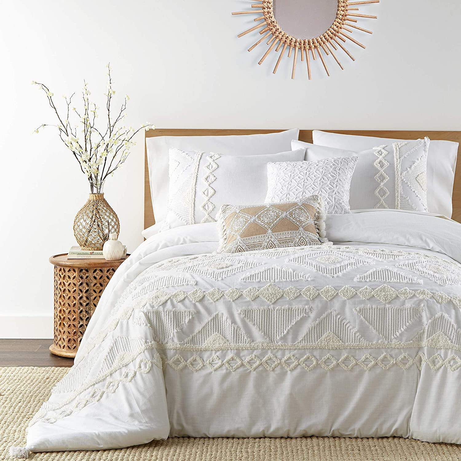 Levtex home - Harleson Duvet Cover Set - Full/Queen Duvet Cover + Two Standard Pillow Cases - Tufted Chenille Frayed Tribal in White and Cream - Duvet (90 x 94in.) and Pillow Case (26x20in.) - Cotton