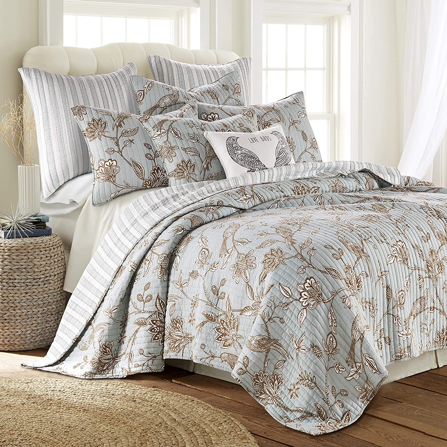Levtex home - Tanzie Teal Quilt Set - Full/Queen Quilt + Two Standard Pillow Shams - Teal and White - Quilt (88x92in.) and Pillow Shams (26x20in.) - Reversible - Cotton Fabric
