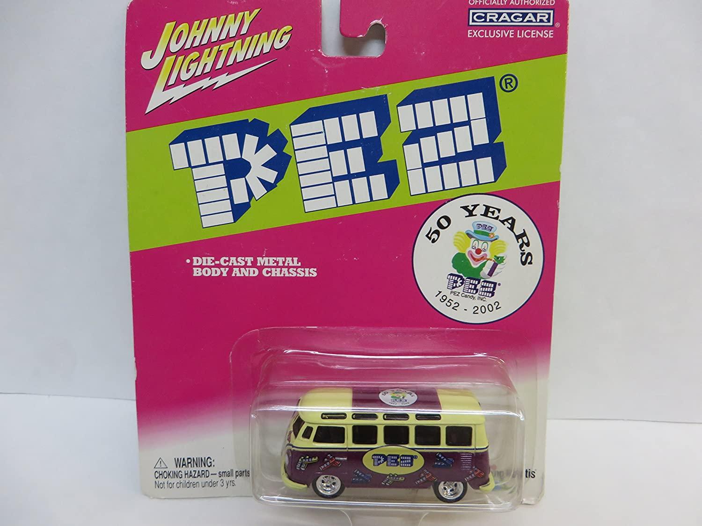 Johnny Lightning Pez Volkswagen Bus , Van