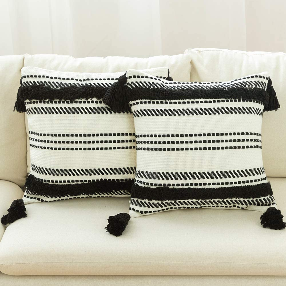 ToGeeKa Boho Woven Tufted Decorative Throw Pillow Covers, Soft Warm Cotton Woven Square Cushion Case with Tassels for Couch Sofa Bedroom Office Car, 18 x 18 inch (45 x 45 cm), 2 Pack, Black & White