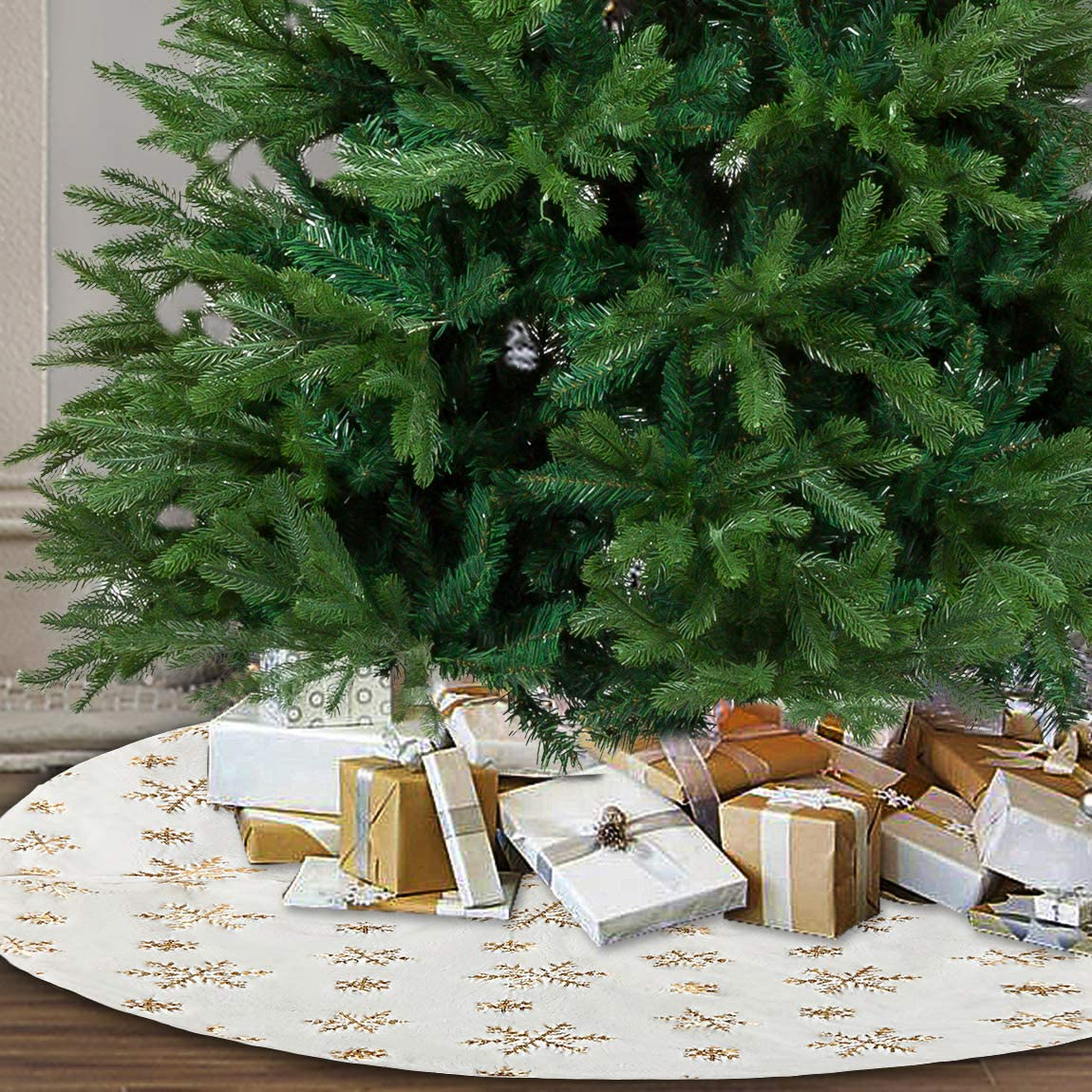 PrettyQueen 48 Inch Christmas Tree Skirt,White&Gold Luxury Faux Fur Tree-Skirt with Snowflakes,Tree Skirt Mat for Christmas Holiday Party Decorations