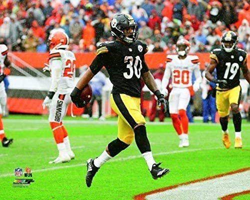 TSE James Conner Walking in Endzone Vs Cleveland Unsigned Licensed 16X20 Photo