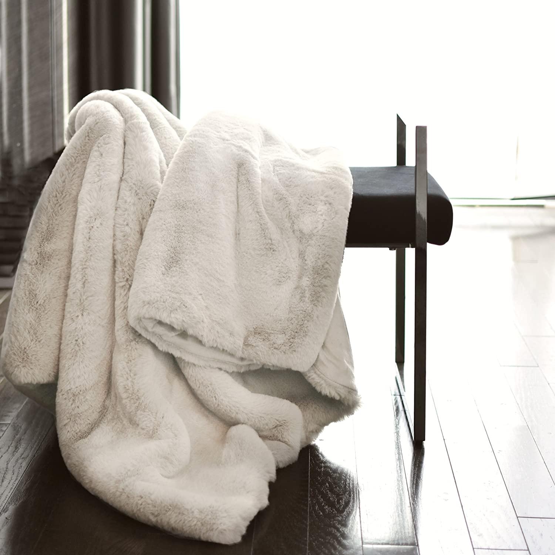 Tahari Mink Faux Fur Throw Luxury Silky Soft Blanket in Cream White (Ivory, 50Wx60L)