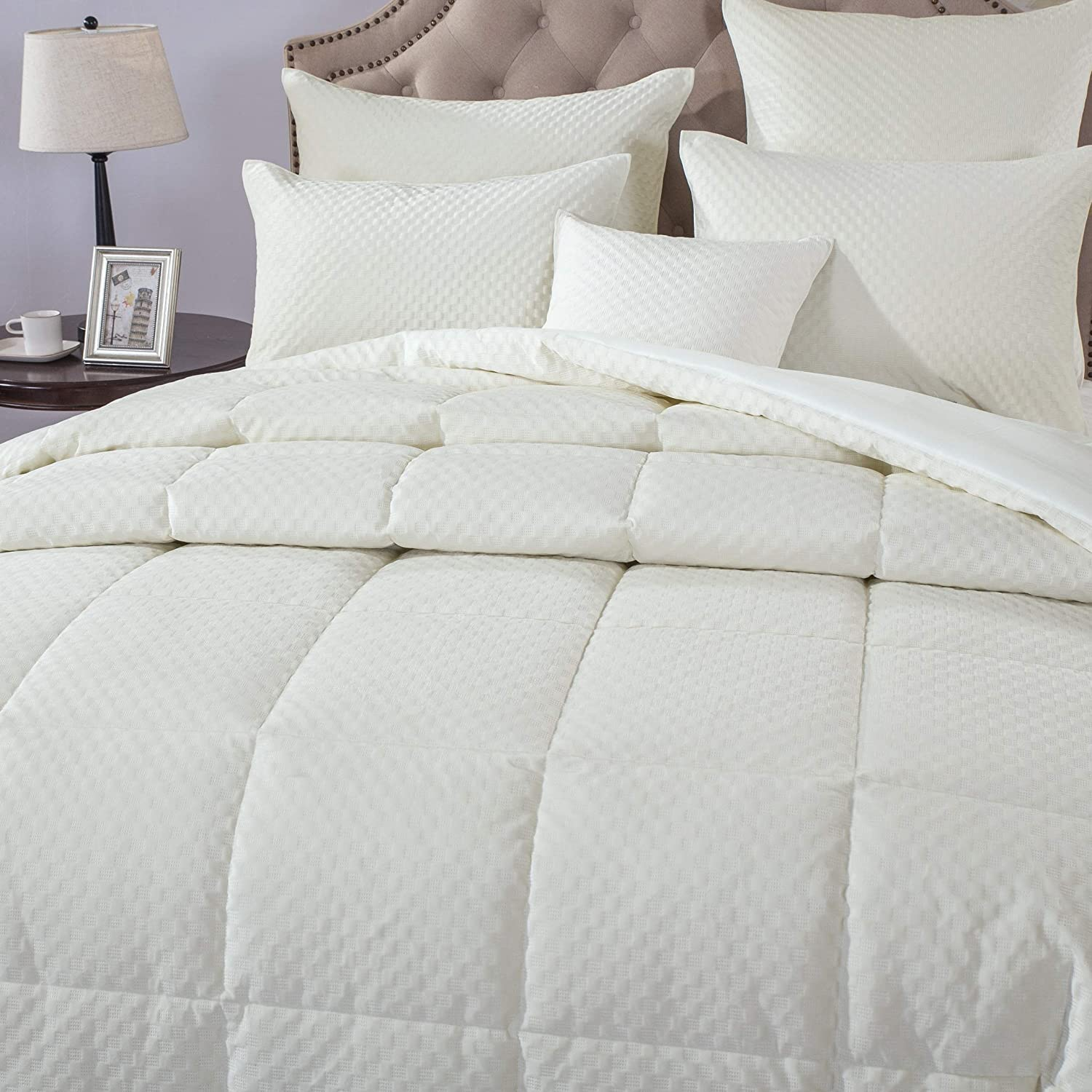 DaDa Bedding Luxury Velvet Comforter Set Warm- Eggshell White Plush 3D Pattern Coverlet - Soft Warm Quilted Alternative Down Box-Stitched - Cal King - 3-Pieces