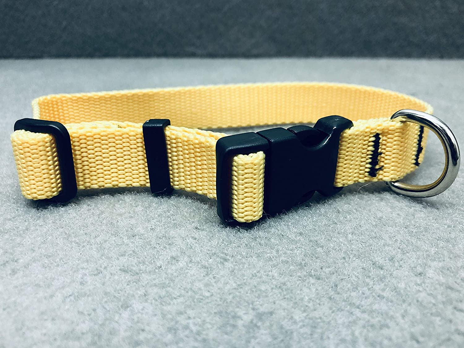 Fabri-Tech, Inc. Classic Adjustable Dog Collar, Small, Neck 10-16