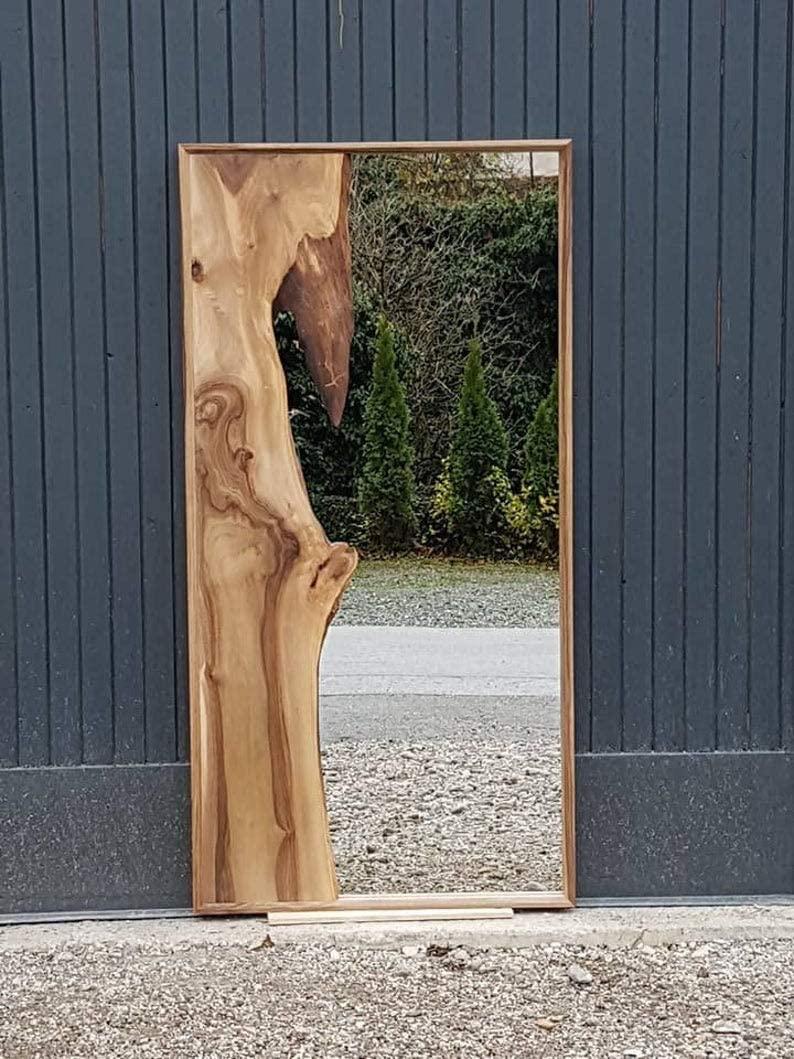 Global Art World Old Wooden Frame Wall Hanging Elegant Home Decor Antique Live Edge Mirror A1VM 032