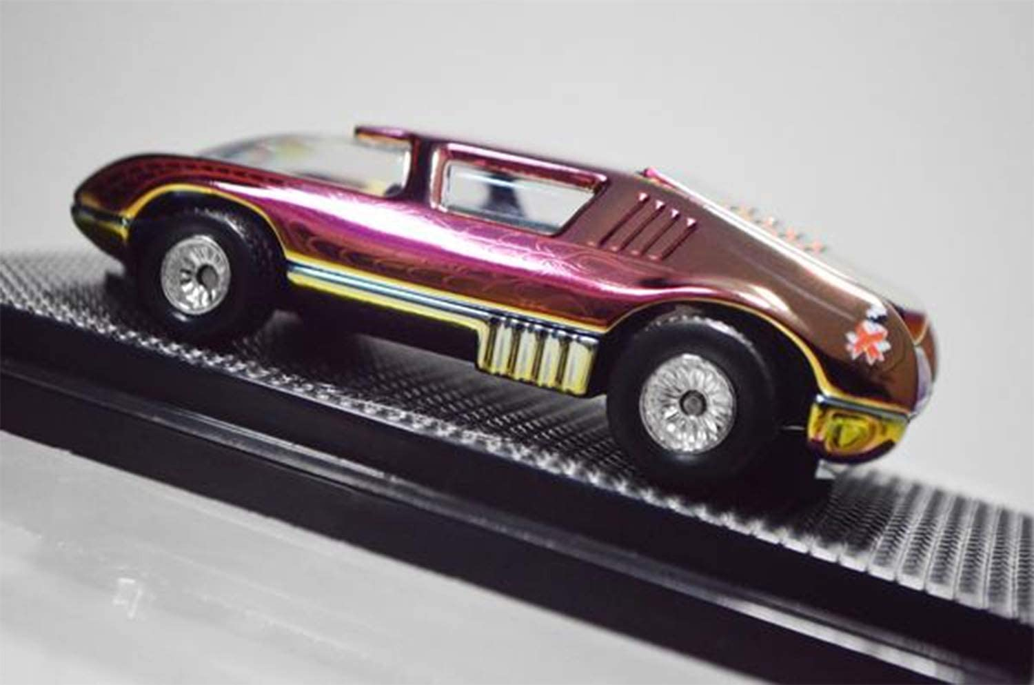 Very Rare Limited Edition Hot wheels Dream Halloween Spider Sports Car Pit Crew 2009