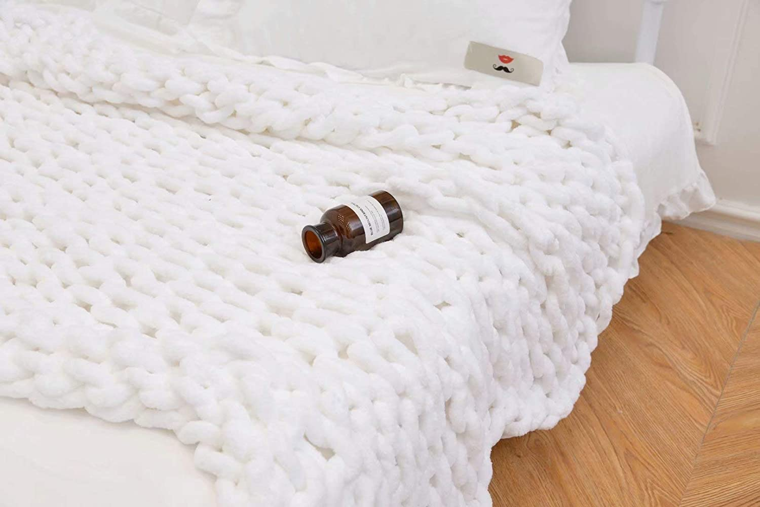 Chunky Knit Blanket Soft Bulky Hand Made Chenille Throw for Bedroom Sofa Decor Super,Queen Size,White,71