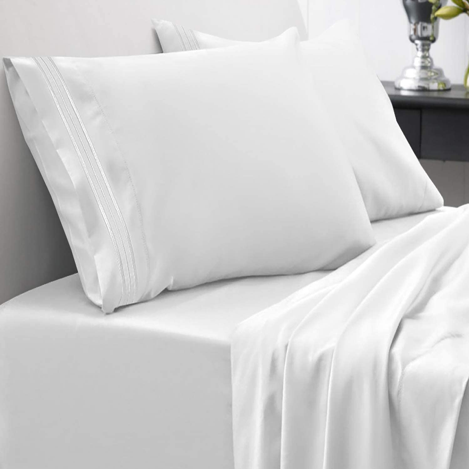 1800 Thread Count Sheet Set – Soft Egyptian Quality Brushed Microfiber Hypoallergenic Sheets – Luxury Bedding Set with Flat Sheet, Fitted Sheet, 2 Pillow Cases, King, White