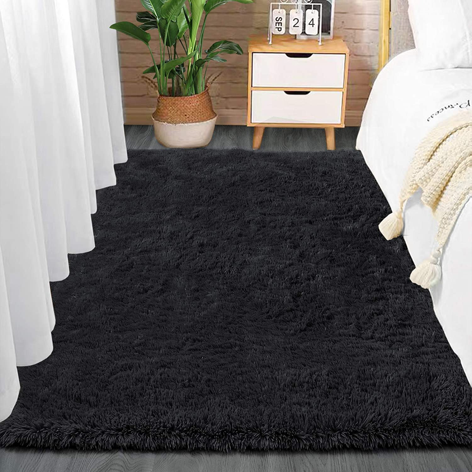 Comeet Soft Living Room Area Rugs for Bedroom Fluffy Rugs for Kids Room, Floor Modern Indoor Shaggy Plush Carpets, Home Decor Fuzzy Comfy Nursery Baby Boys Abstract Accent, Black Shag Rug 3x5 Feet