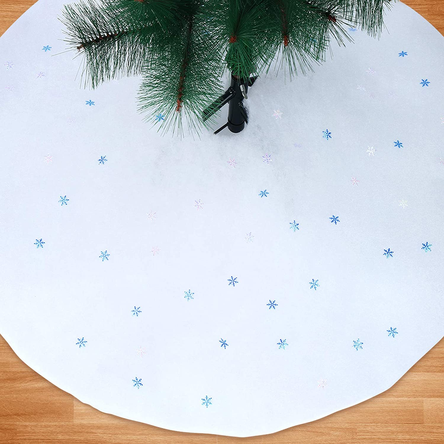 Cholung Christmas Tree Skirts Soft White Tree Skirt and 500 Pieces Christmas Snowflakes Confetti Frozen Snowflake Scatter for Christmas Tree Decorations Holiday Party Indoor Outdoor Decoration
