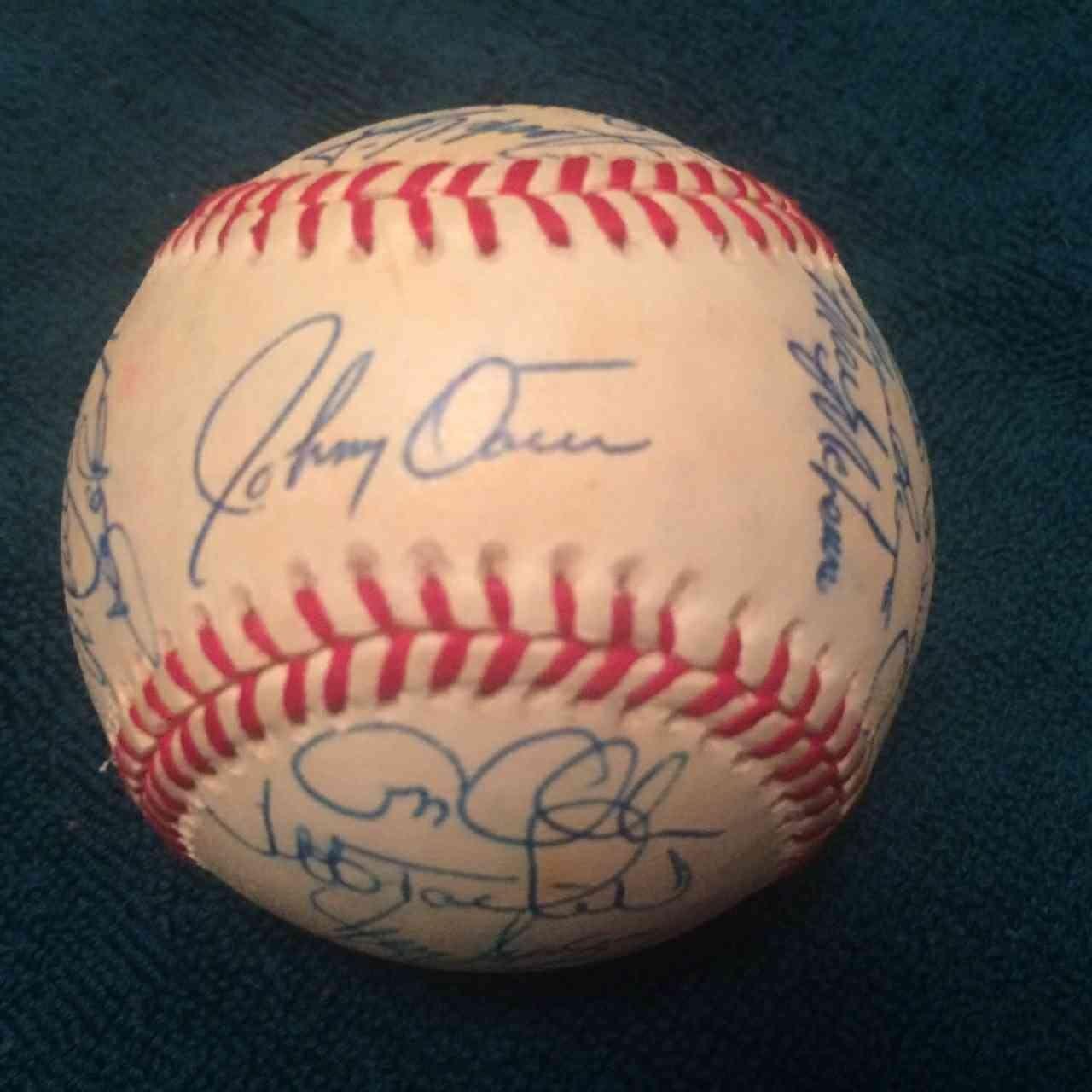 1993 Baltimore Orioles Team Signed Autographed Baseball – 27 Signatures w/PSA/DNA LOA [#a30]
