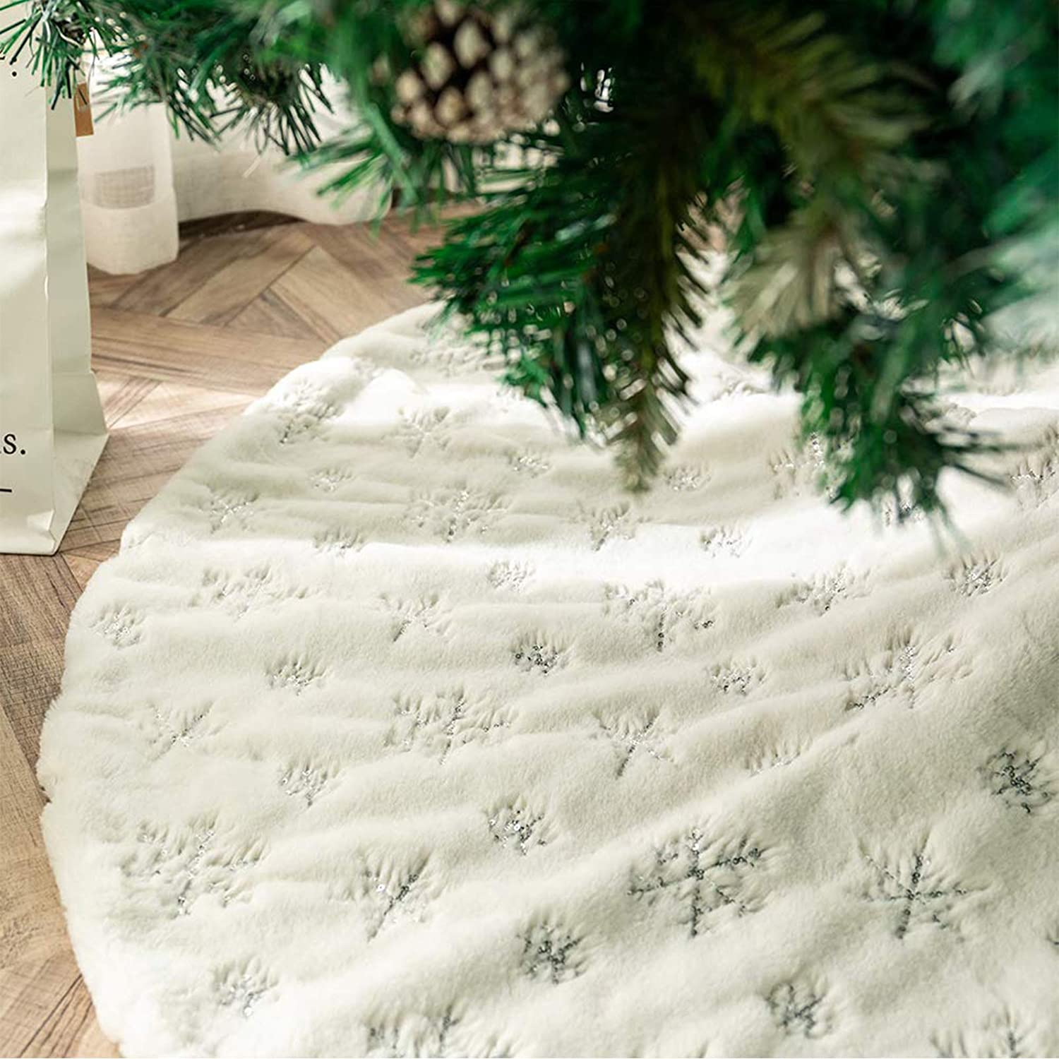 DegGod Plush Christmas Tree Skirts, 36 inches Luxury Snowy White Faux Fur Xmas Tree Base Cover Mat with Sequin Snowflakes for Xmas New Year Home Party Decorations (Silver, 36 inches)