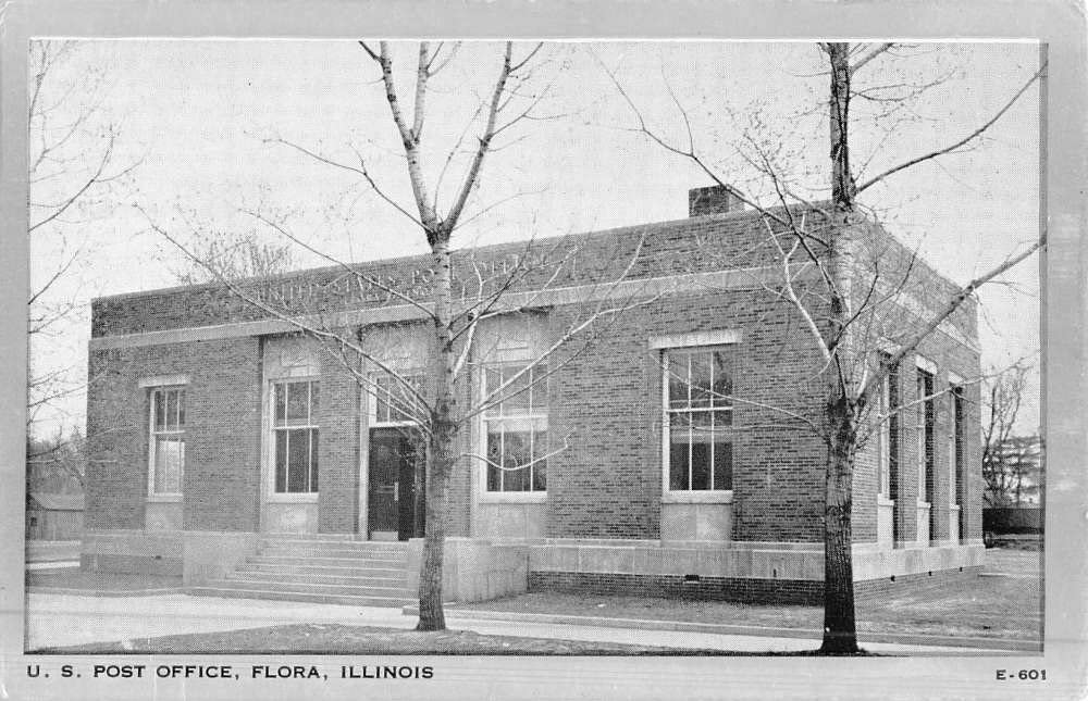 Flora Illinois Post Office Street View Antique Postcard K50825