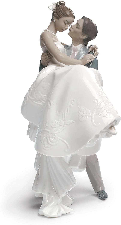 LLADRÓ The Happiest Day Couple Figurine Type 357. Porcelain Bride and Groom (Wedding) Figure.
