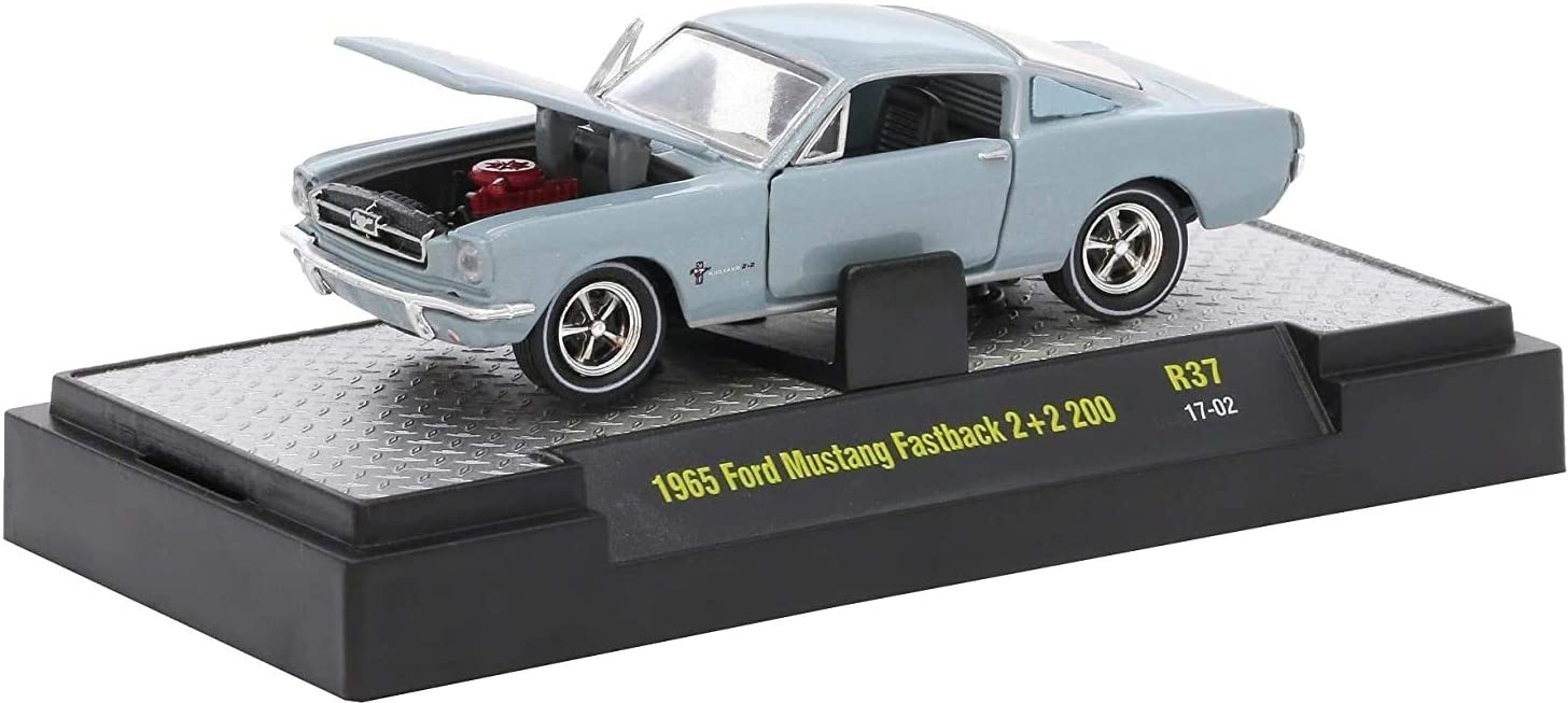 M2 Machines 1965 Ford Mustang Fastback 2+2 200 (Silver Blue Metallic) - Detroit Muscle Release 37 2017 Castline Premium Edition 1:64 Scale Die-Cast Vehicle (R37 17-02)