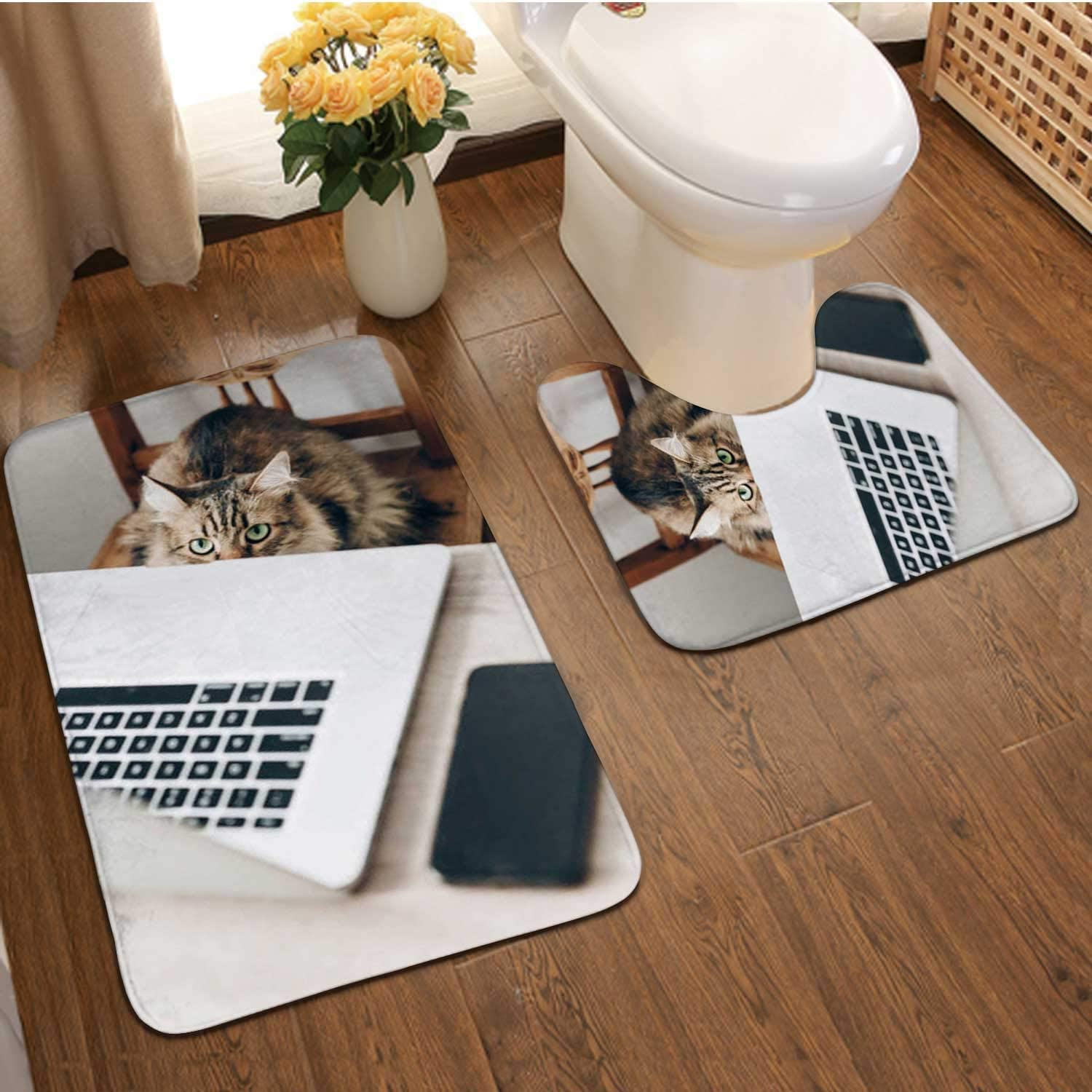 Cute cat Sitting on Wooden Chair at Table with Laptop.Working Home and Freelance Concept.Maine Coon in stlish Office or workp .Funn bussines Work Situation Animal Ee,Bathroom Rugs Luxur Bath Mat,S