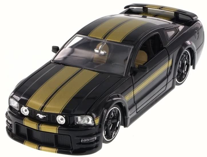 Jada 2006 Ford Mustang GT, Black 90658YV - 1/24 Scale Diecast Model Toy Car